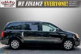 2013 Chrysler Town & Country TOURING / BACKUP CAM / POWER REAR HITCH / REAR A/C Photo38