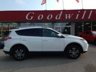 Used 2016 Toyota RAV4 LE! HEATED SEATS! BLUETOOTH! BACKUP CAMERA! for sale in Aylmer, ON
