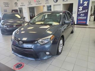 Used 2015 Toyota Corolla LE / BERLINE / TOIT OUVRANT / CAMERA / S for sale in Sherbrooke, QC