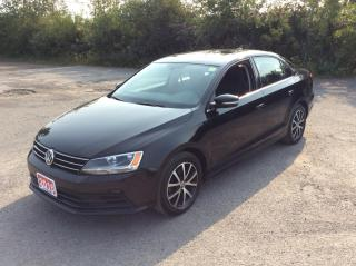 Used 2016 Volkswagen Jetta Sedan Comfortline - 5 SPEED MANUAL - SUNROOF! for sale in Ottawa, ON