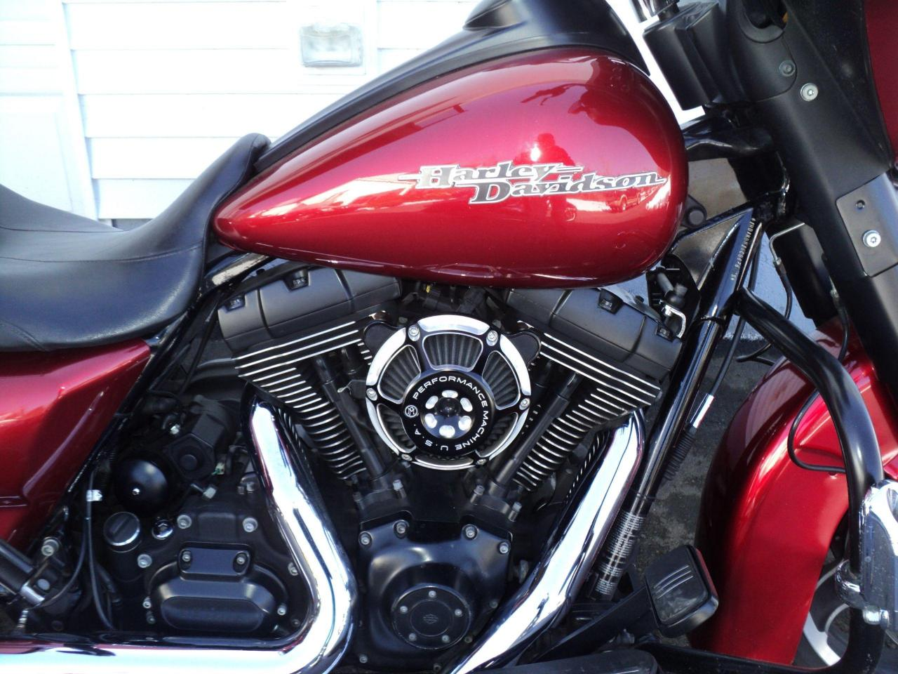 2012 Harley-Davidson Super Glide Custom