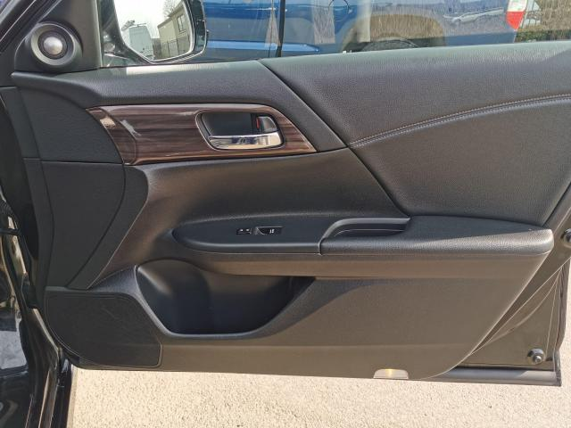 2016 Honda Accord Touring Photo29