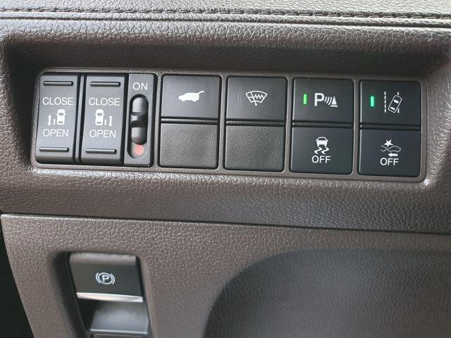 2018 Honda Odyssey EX-L NAVI Photo21
