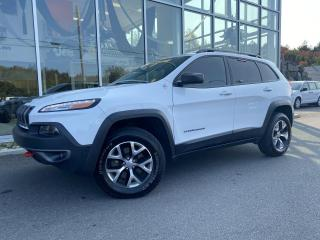 Used 2015 Jeep Cherokee Trailhawk ENSEMBLE TECH TOIT for sale in Ste-Agathe-des-Monts, QC