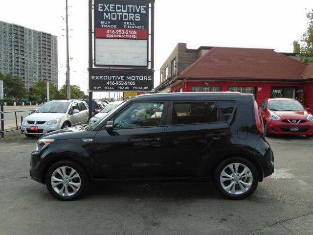 2015 Kia Soul EX+/ HEATED SEATS/ ALLOYS / LOADED / LIKE NEW /