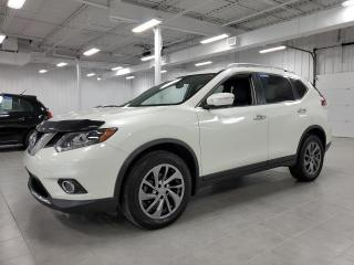 Used 2015 Nissan Rogue SL AWD - TECH + CUIR + GPS + TOIT PANORAMIQUE !!! for sale in Saint-Eustache, QC