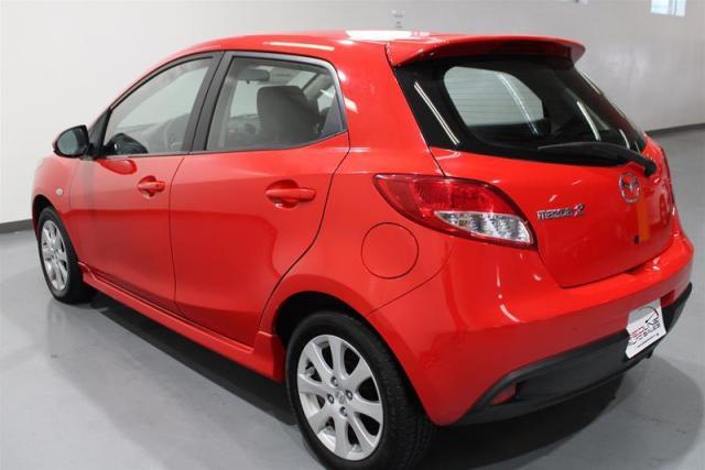 2011 Mazda MAZDA2 WE APPROVE ALL CREDIT