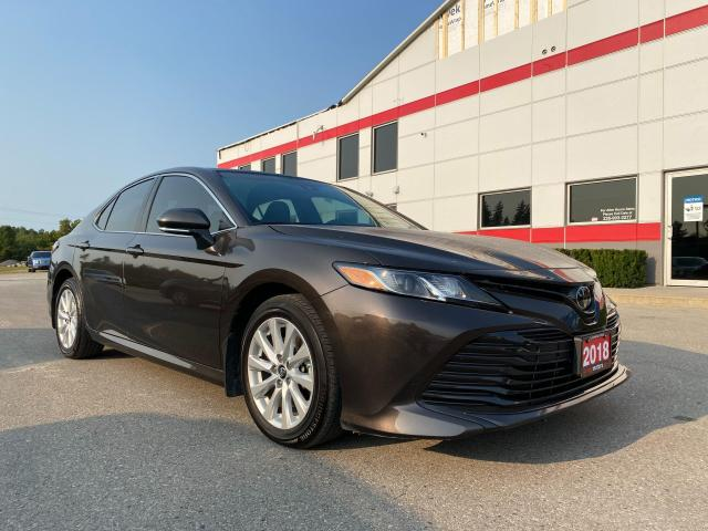 2018 Toyota Camry LE only 27500kms!