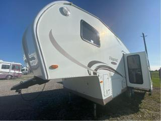 Used 2011 Forest River FLAGSTAFF CLASSIC SUPER LITE 28RK for sale in Tilbury, ON