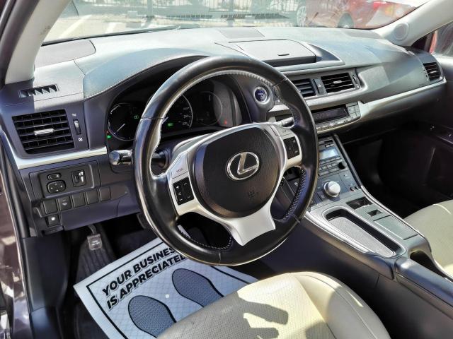 2013 Lexus CT 200h  Photo12