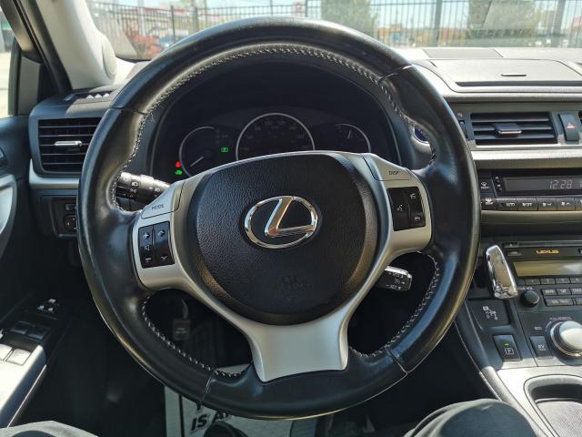2013 Lexus CT 200h  Photo14