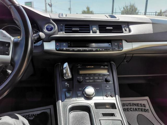 2013 Lexus CT 200h  Photo16