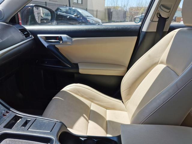2013 Lexus CT 200h  Photo22