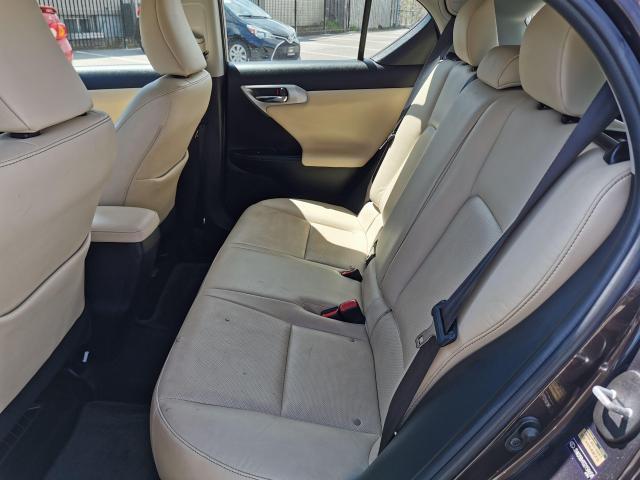 2013 Lexus CT 200h  Photo25