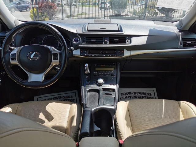 2013 Lexus CT 200h  Photo28