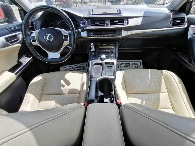 2013 Lexus CT 200h  Photo29