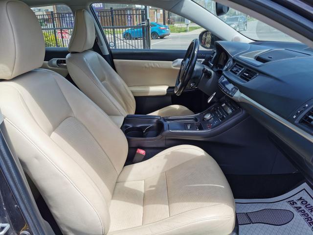 2013 Lexus CT 200h  Photo33