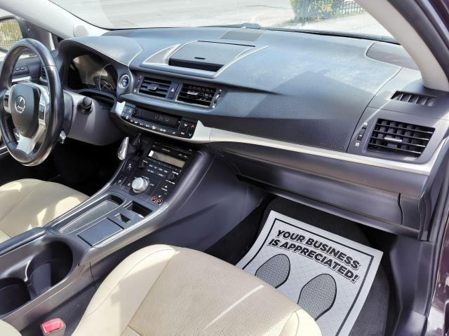 2013 Lexus CT 200h  Photo34