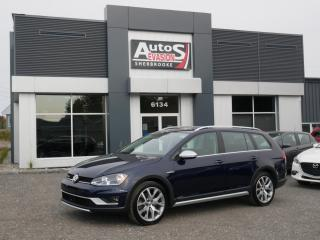 Used 2017 Volkswagen Golf Alltrack FAMILIALE 4 MOTION + CUIR + TOIT + GPS + CAMÉRA for sale in Sherbrooke, QC