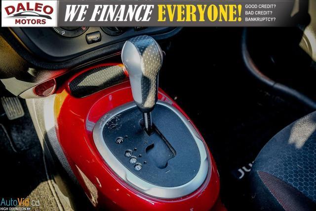 2013 Nissan Juke SV / TUBRO / BUCKET SEATS / POWER OUTLET Photo16