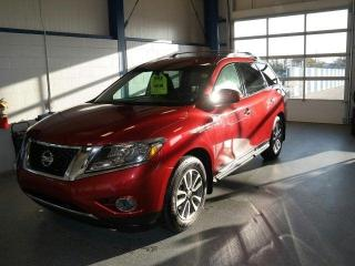 Used 2014 Nissan Pathfinder SL for sale in Moose Jaw, SK