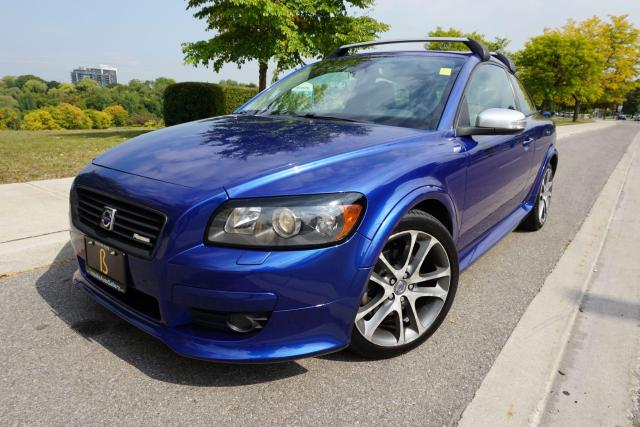 2010 Volvo C30 RARE / R DESIGN / 5 SPD MANUAL / STUNNING COMBO