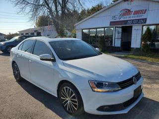 Used 2014 Volkswagen Jetta SEL for sale in Barrie, ON