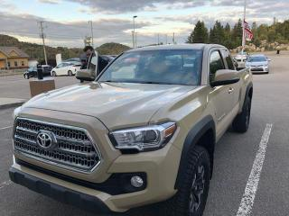 Used 2017 Toyota Tacoma SR5 cabine Accès V6 4RM TRD HORS ROUTE B for sale in Val-David, QC