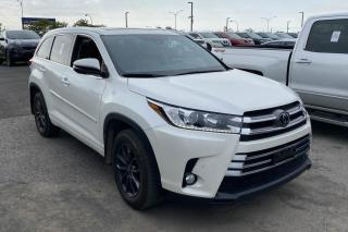 Used 2018 Toyota Highlander LIMITED AWD CUIR TOIT PANO  NAV MAGS 7 P for sale in St-Hubert, QC