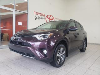 Used 2017 Toyota RAV4 * AWD * TOIT * MAGS * XLE * SIÈGES CHAUFFANTS * for sale in Mirabel, QC