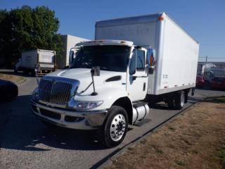 Used 2014 International 4300 V Durastar 20 foot Cube Van Power Tailgate Diesel for sale in Burnaby, BC