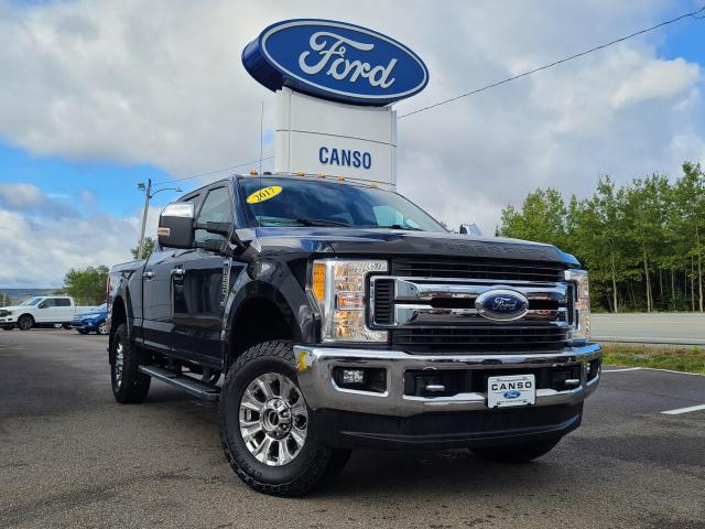 2017 Ford F-250 Super Duty XLT 4X4 CREW CAB W/ 6.75' BOX