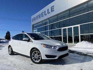 Used 2016 Ford Focus SE Hatchback for sale in St-Eustache, QC