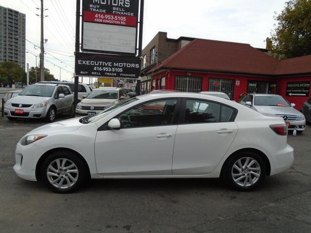 2012 Mazda MAZDA3 GX/ NO ACCIDENT /5 SPD MANUAL / CERTIFIED / MINT