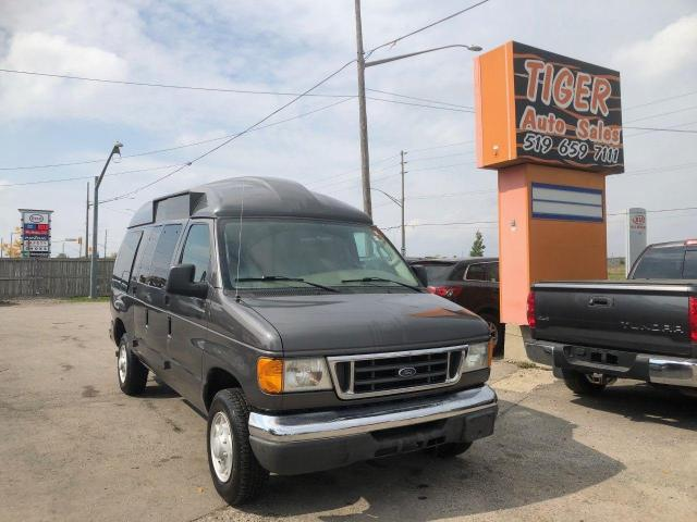 2004 Ford Econoline Recreational**RV**FOLDING BED**ONLY 47,000KMS*CERT