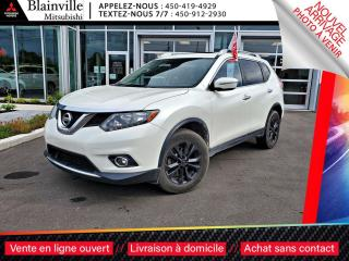Used 2015 Nissan Rogue SV AWD + TOIT-PANORAMIQUE for sale in Blainville, QC