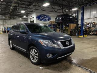 Used 2015 Nissan Pathfinder SL CUIR TOIT GPS for sale in St-Eustache, QC