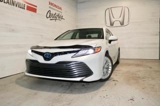 Used 2018 Toyota Camry HYBRID XLE for sale in Blainville, QC