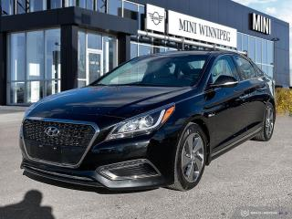 Used 2016 Hyundai Sonata Hybrid Limited Mint Condition for sale in Winnipeg, MB