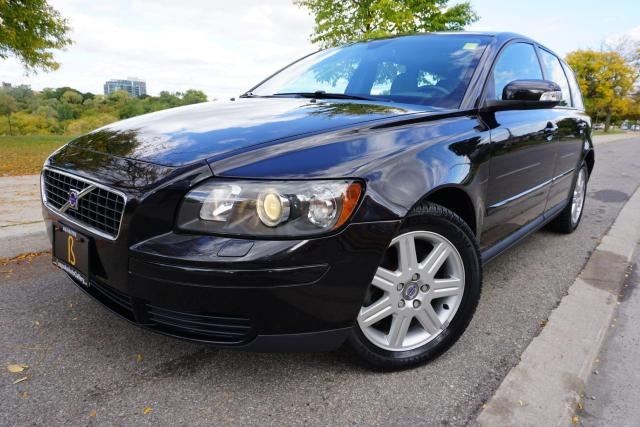 2007 Volvo V50 1 OWNER / LOCAL ONTARIO CAR / GORGEOUS COMBO