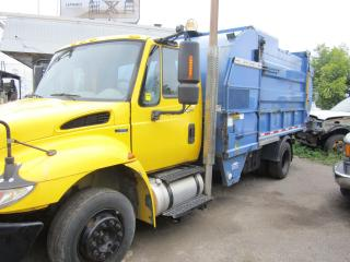 Used 2010 International 4300 recycle side loaded for sale in North York, ON