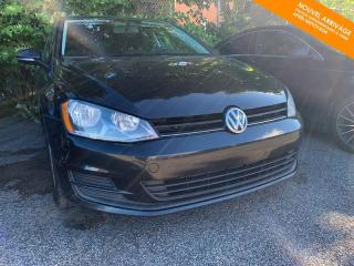 Used 2016 Volkswagen Golf RÉSERVÉ Man Trendline 1.8 TSI + Caméra + Bluetooth for sale in Québec, QC