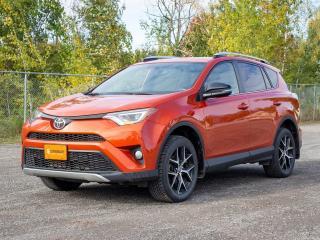 Used 2016 Toyota RAV4 SE AWD HAYON ÉLEC ALERTES SÉCURITÉ TOIT NAV *CUIR* for sale in St-Jérôme, QC