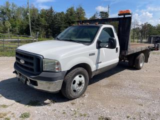 Used 2006 Ford F-350 Chassis XL Flat Deck for sale in King, ON