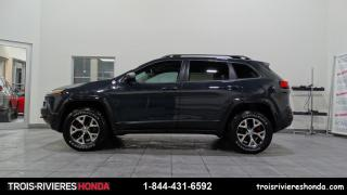 Used 2016 Jeep Cherokee TRAILHAWK + AWD + TOIT PANORAMIQUE + CUI for sale in Trois-Rivières, QC