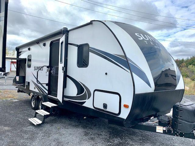 2018 Crossroads RV Sunset Trail 222RB Super Lite Series
