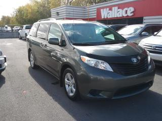 Used 2012 Toyota Sienna FWD 7-Passenger V6 for sale in Ottawa, ON