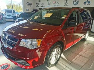 Used 2018 Dodge Grand Caravan SXT / STOW AND GO / FAMILLIALE / AIR A/C for sale in Sherbrooke, QC