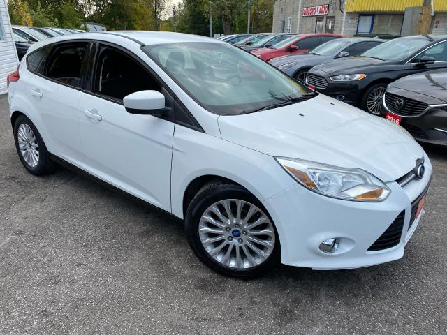 2012 Ford Focus SE/ 5 SPEED/LOADED/ALLOYS/ SPOILER/ TINTED ++