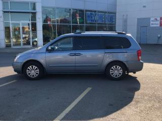 Used 2012 Kia Sedona LX for sale in Oshawa, ON